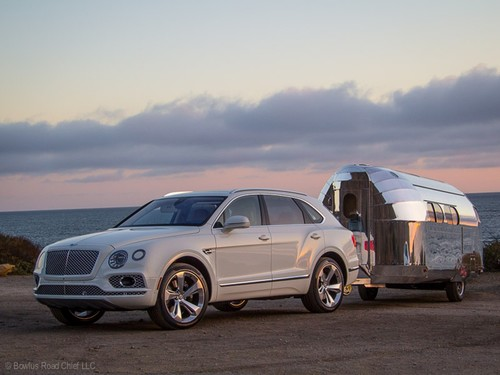Das passende Zugpferd: Bentley Bentayga mit Bowlus Road Chief Lithium +.